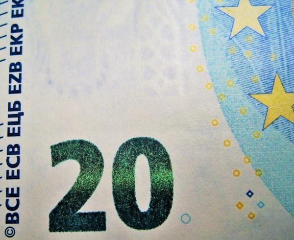 twenty euros 1303830 1280
