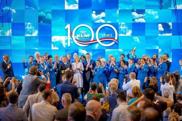 obchody 100 lecia KLM 2m