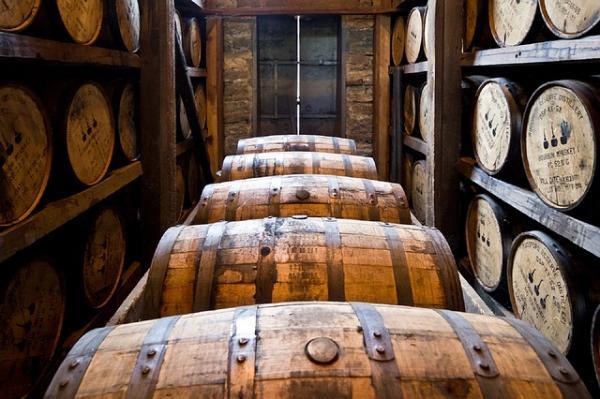 distillery barrels 591602 640