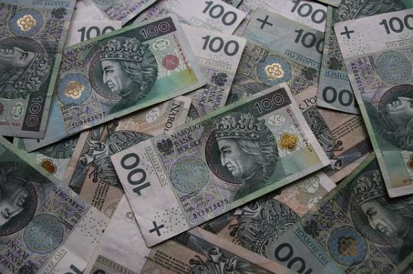 euro banknotes 4073891 640